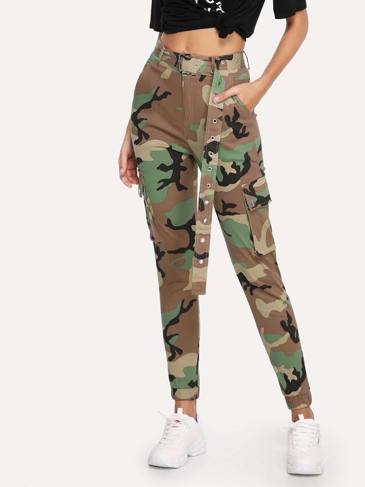 2dbfcc65a1 Pantalones de camuflaje con bolsillo y cinturón
