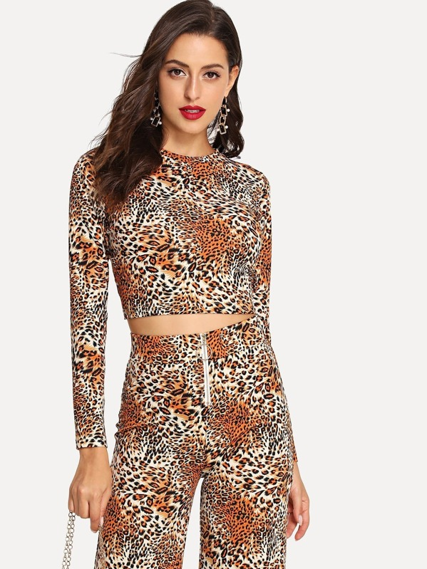 Slim Fitted Leopard Top