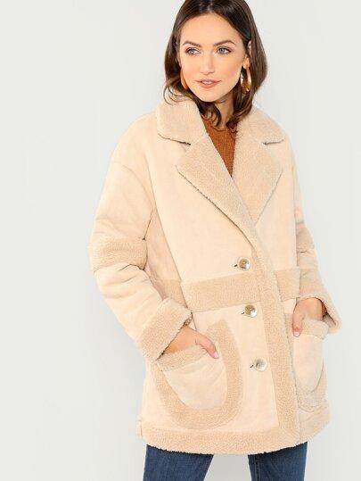 e57a9890eba81 Manteau duveteux en imitation peau de mouton avec poche