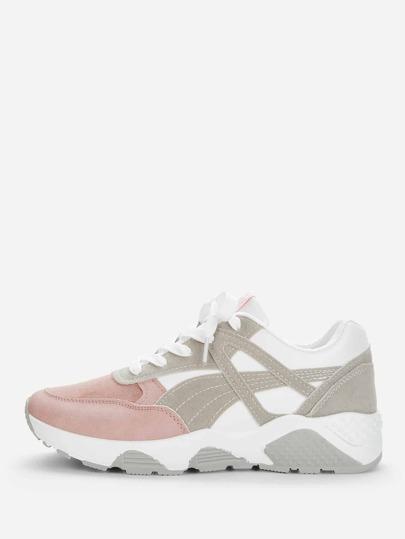 Sneakers in pelle scamosciata con lacci 9b065ce4372