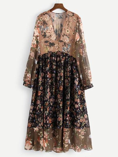 Kleid mit V Ausschnitt und Blumenmuster