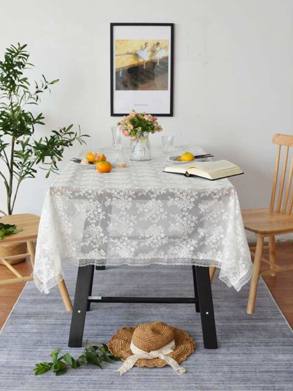 Flower Embroidery Lace Table Runner