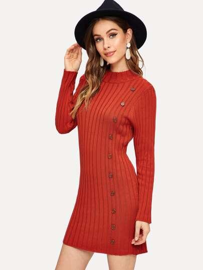 0eb4abad1740 Robe pull en tricot côtelé avec bouton et col montant