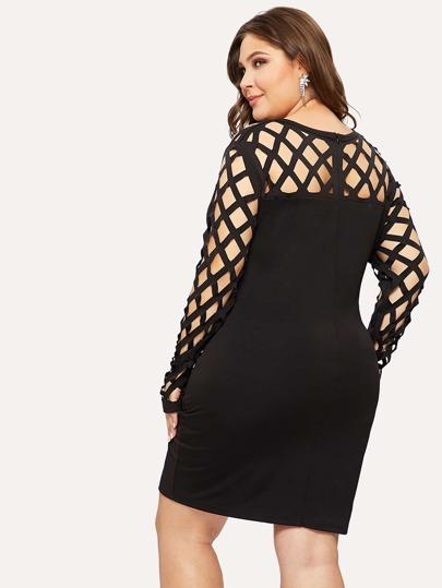 cc25c7cd8e972 فستان حجم كبير ضيق مع قطع خارجي