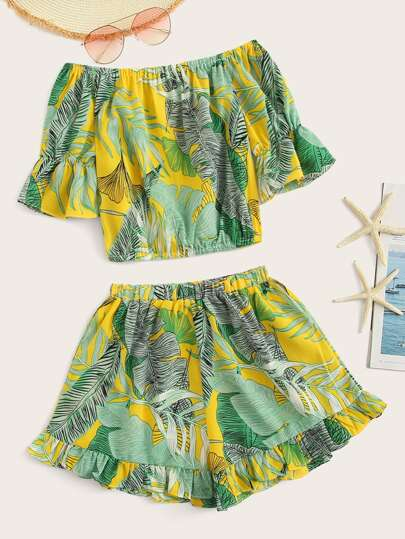 469c3f7572 Tropical Print Flounce Sleeve Crop Top With Shorts