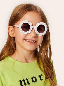 1a8ec1113 نظارة شمسية بعدسة دائرية و اطار شكل زهري - اطفال