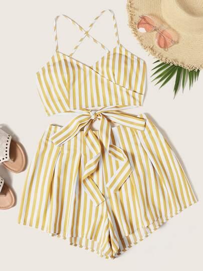 2f854c490119 Conjunto top de rayas de cuello cruzado con shorts anchos
