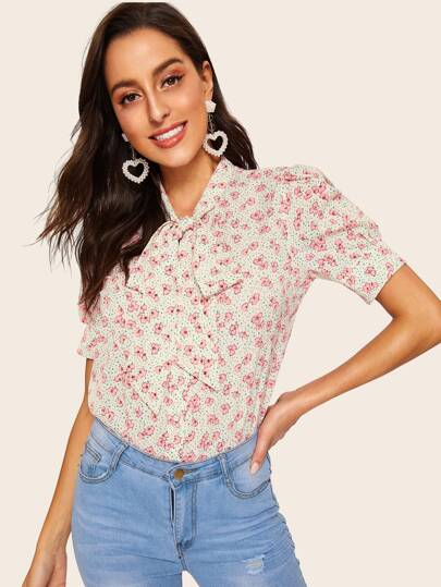 2f78bbfab470 50s Tied Neck Calico Print Blouse