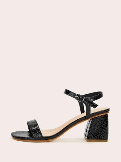 56d326f0a95f Chaussures à talons carrés avec motif de crocodile
