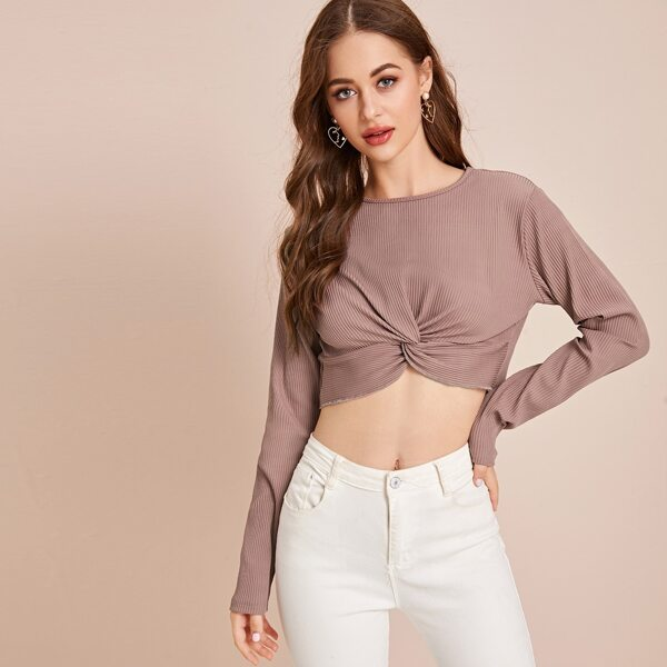 Solid Twist Hem Crop Sweater