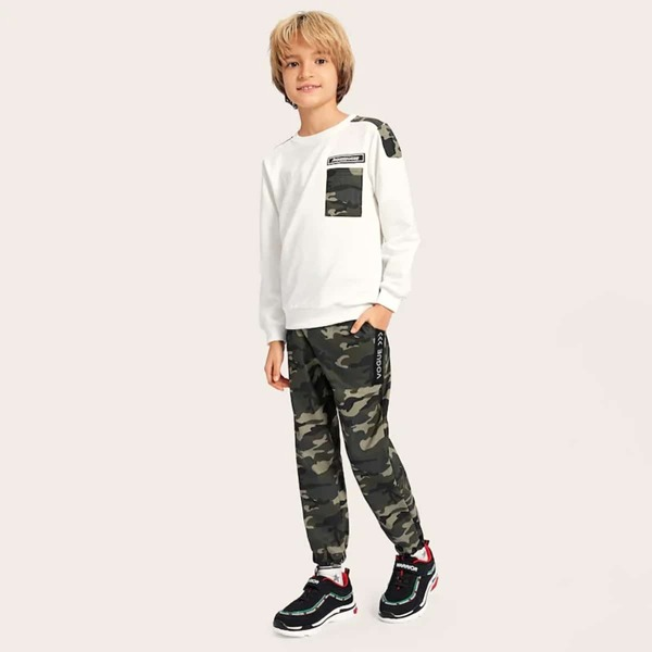 Boys Camo Panel Letter Patched Sweatshirt With Pants, Multicolor